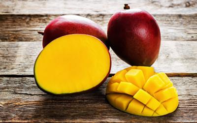 Dessert med mango og chiafrø
